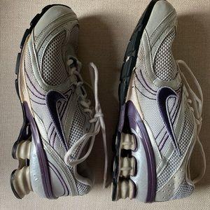 Nike Navina 3 Women's Running Shoe Sz 7.5